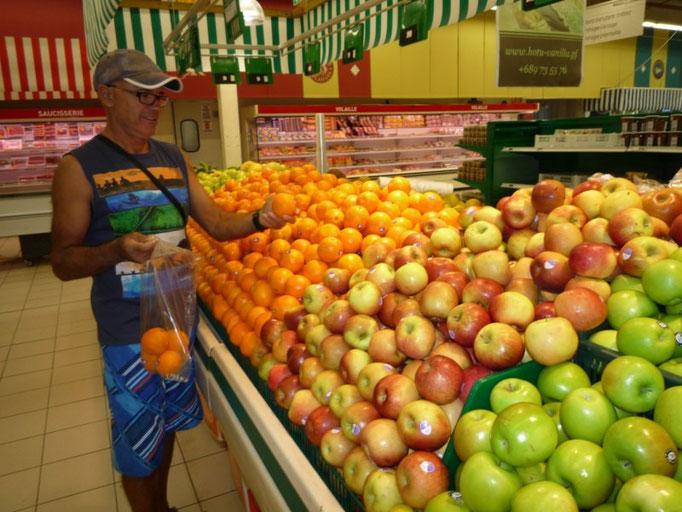 Variedad de fruta y verdura, aunque muy cara