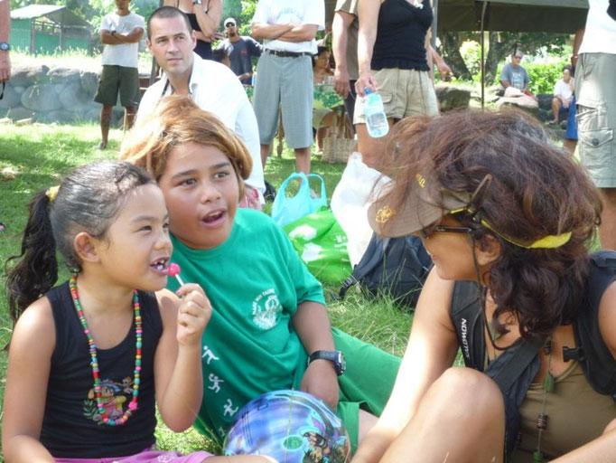 Charlando con los niños