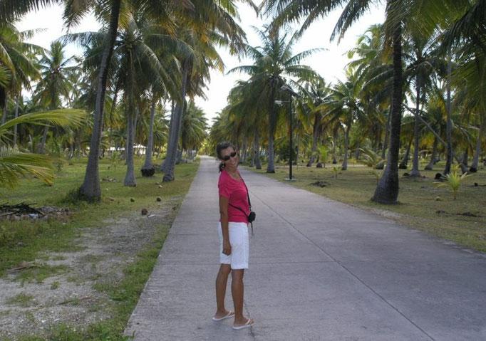 Caminando 2.5 kilómetros al pueblo, en un bonito entorno