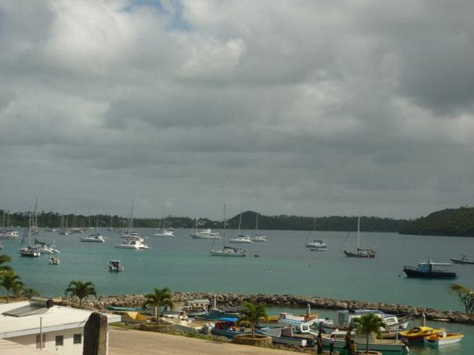 Barcos a boya en Neiafu