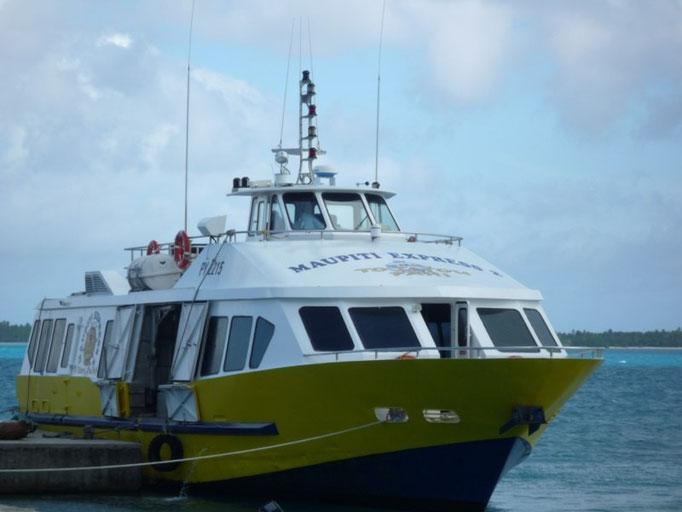 El Maupiti express que va a Bora Bora tres veces por semana