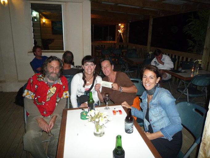 En la nueva taberna vasca con Pilar y Eduardo