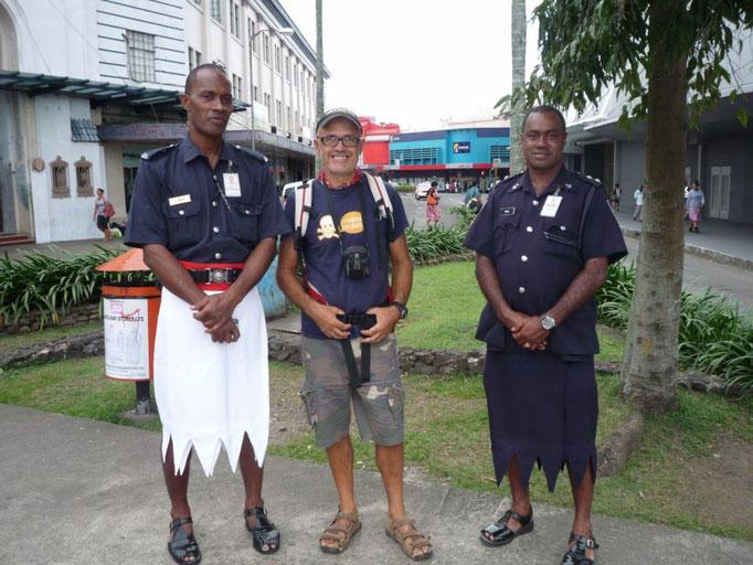 Así viste la policía de Fiji