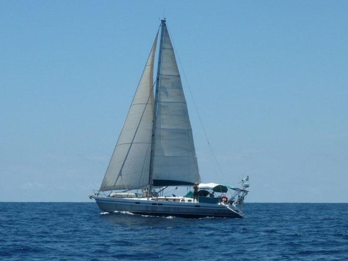 Navegando bien cerquita del Jomay