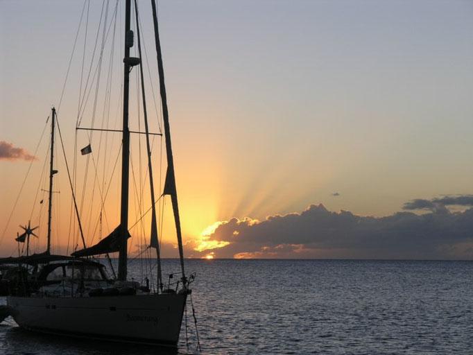 El barco holandés Boomerang que viaja con dos chiquititos