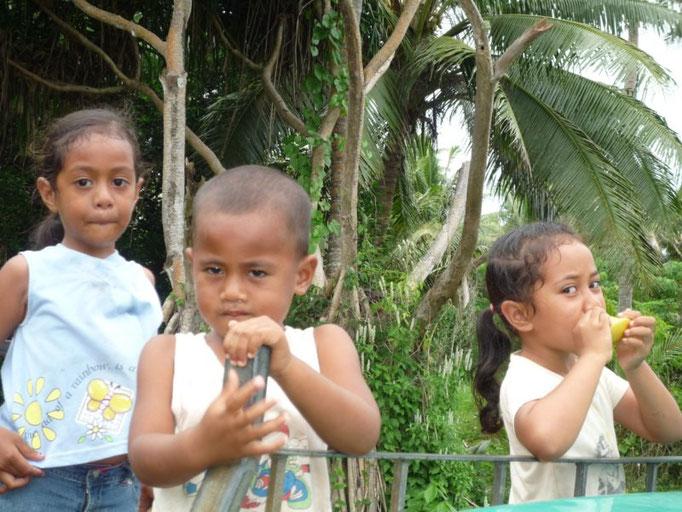 Niños, divinos tesoros