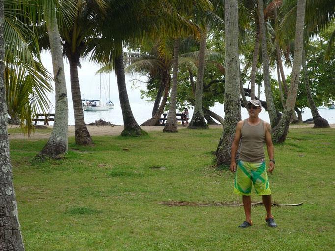 La bonita área de descanso frente a la playa