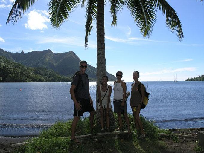 Con Carl, Cris y Vicky