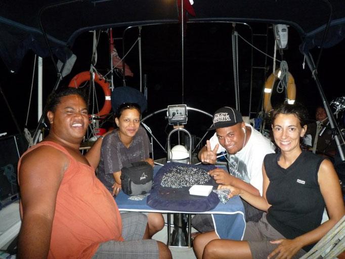 Visita de Fedra y sus amigos al barco