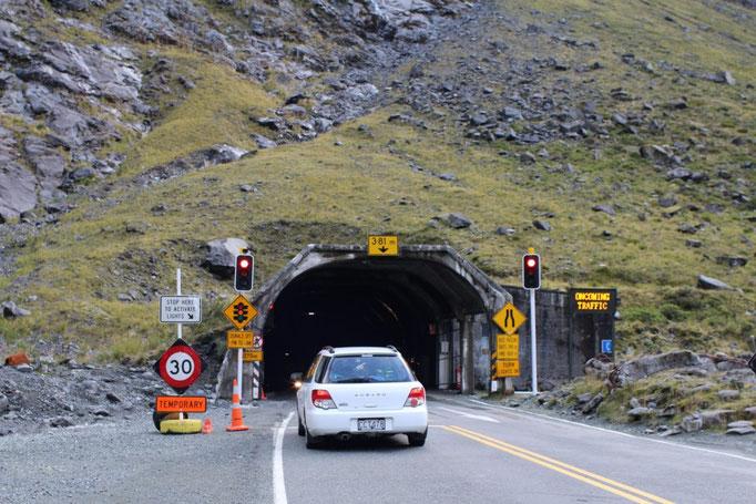 Camino a Mildford Sound , Hommer Tunnel