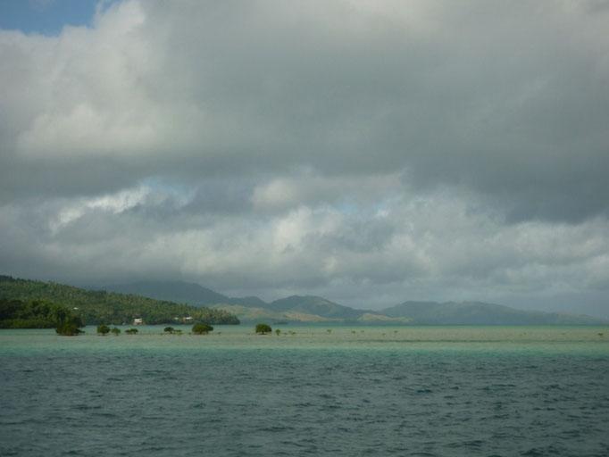 Arrecifes en la entrada a Fawn Harbour