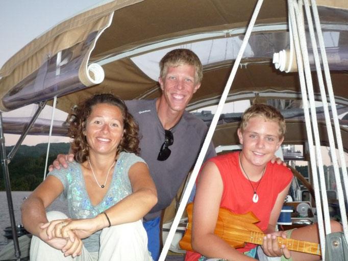 Cristina y Carl, del Bamboleiro y el joven Ben del Lisa kay