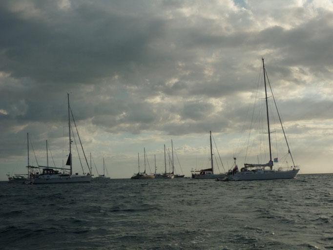 Concentración de barcos en Masket Cove por la regata