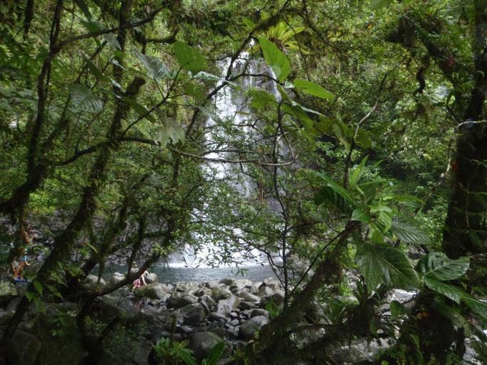 Tavoro waterfalls