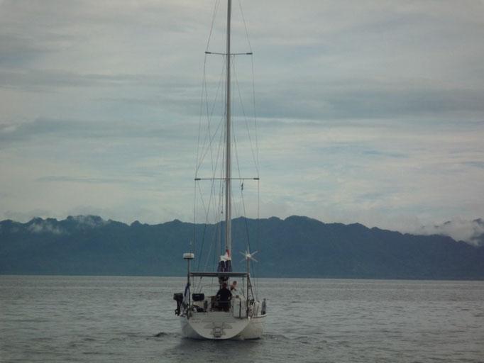 Navegamos con el Merilelu desde Costeau a Savu Savu