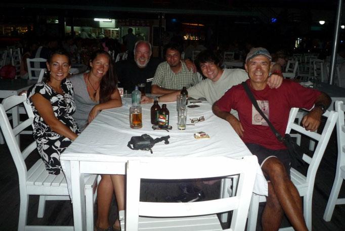 En Denarau con Alicia, Ignacio, Shalim y Marco