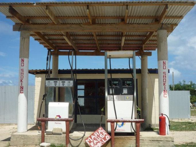 La gasolinera de Pangai