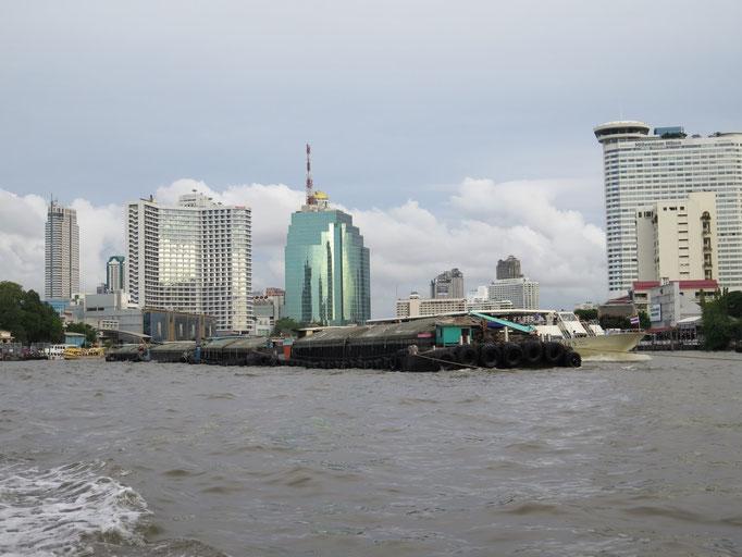 Bangkok, navegando por el río, una de las mejores maneras de moverse por la ciudad