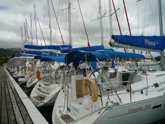 Barcos de charter en Marina Apooiti