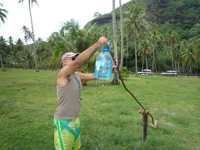 Cargando agua