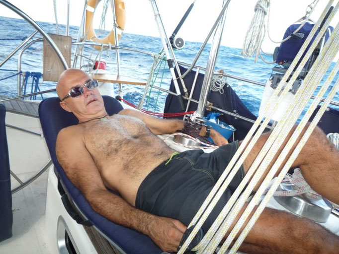 Descansando en cubierta