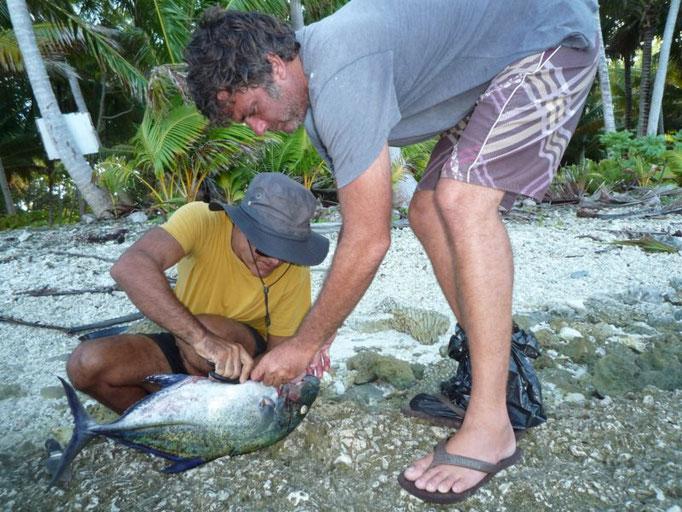 Limpiando el pescado