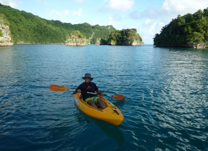 Kayak arriba, kayak abajo. Bay of Islands es el paraíso para este deporte