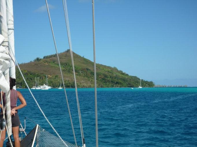 Navegando en el lagoon para llegar al fondeo