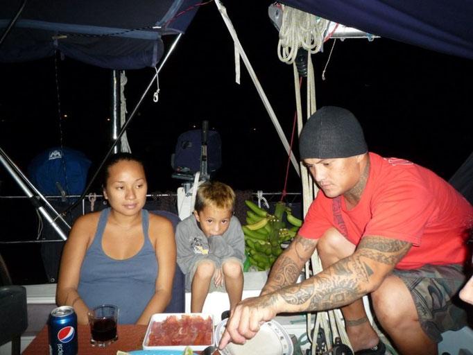 Rey y su familia vinieron a comer al barco