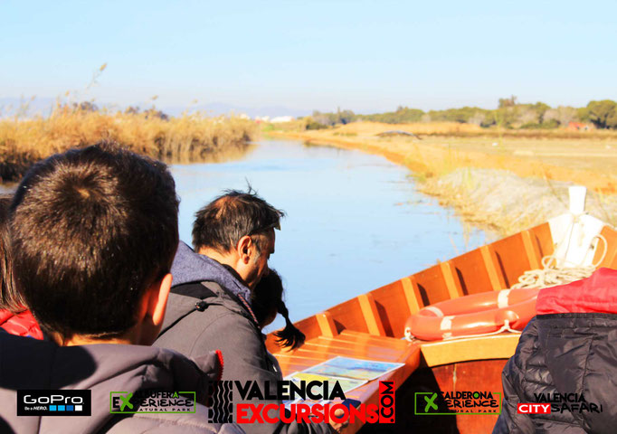 Enjoy the best boat trip in L'Albufera of Valencia with a guided jeep tour during your holiday in Valencia www.valenciaexcursions.com