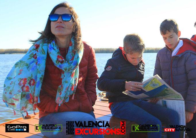 Albufera Paseo en Barca en la zona natural de Valencia. Cosas que hacer en Valencia con niños
