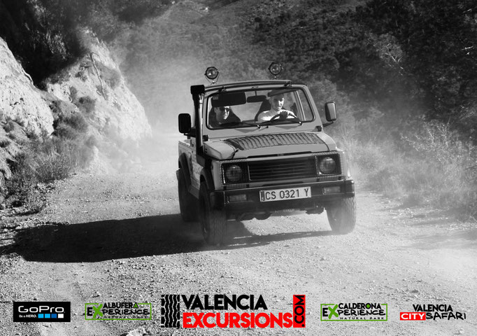 Suzuki jeep tour in Valencia along Sierra Calderona with Calderona Experience offroad excursion in Valencia