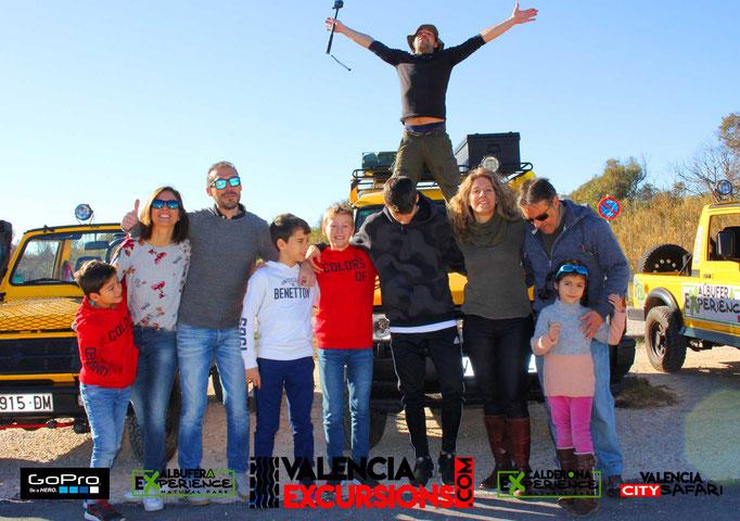 Visitas guiadas en el parque Natural de La Albufera de Valencia. Vista la reserva Natural de L'Albufera con jeeps descapotables.