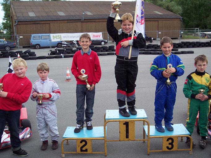 Siegerehrung in Klasse 1 mit Joel Selenski auf Platz 2