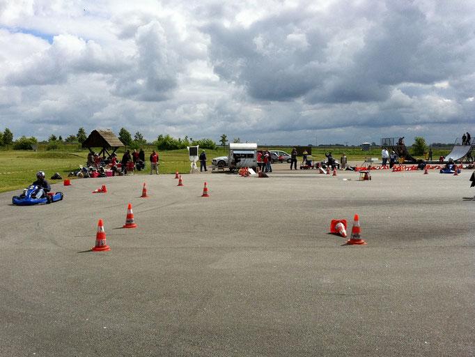 Der Parcours beim 2. Vorlauf zur Deutschen Kartslalom-Jugendmeisterschaft 2011 in Anklam, Mecklenburg-Vorpommern