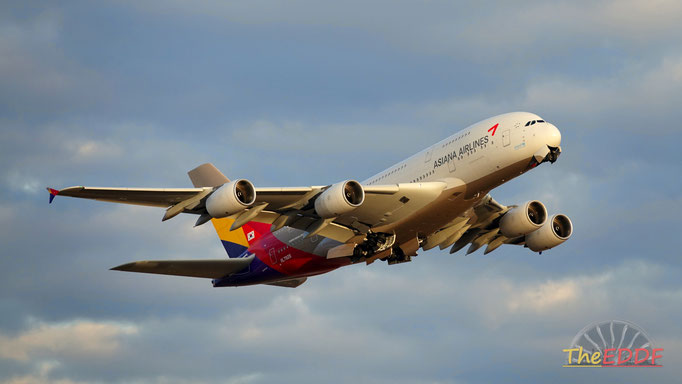 Asiana Airlines Airbus A380-800 HL-7626