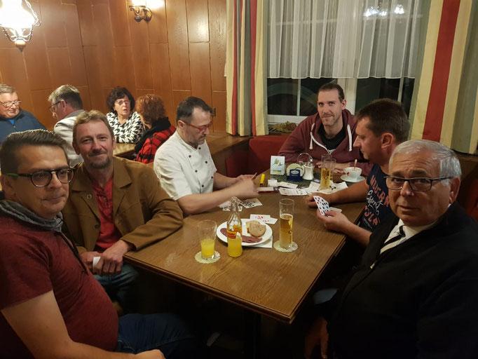 v.l.: Josef Kern, Günther Dangl, Wirt Klaus Jöch, Markus Marchsteiner, Leopold Deimel, Hubert Pfeiffer