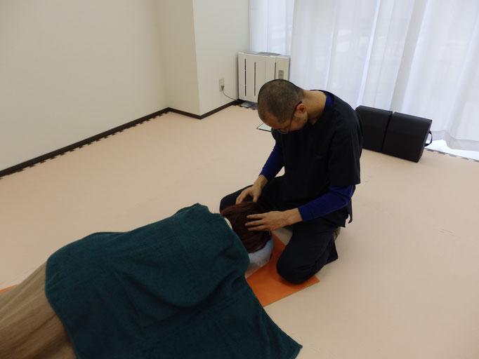頭部の検査と調整