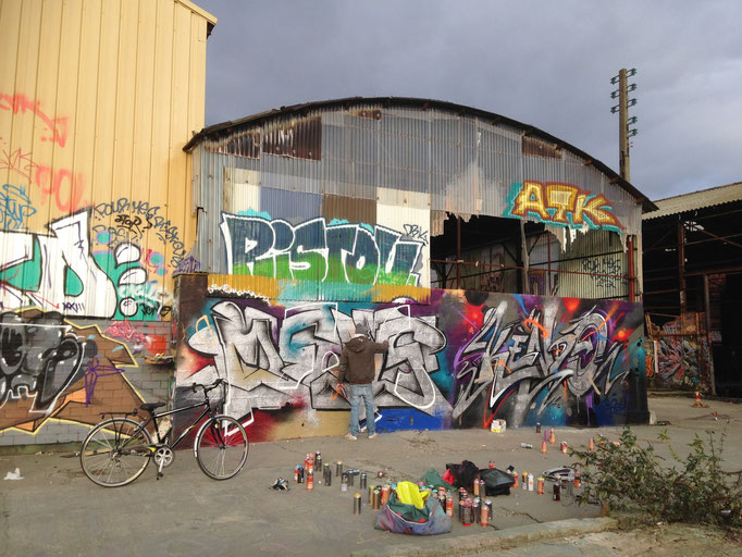 KEMS X KENDO, Terrain Bleu, Bordeaux.