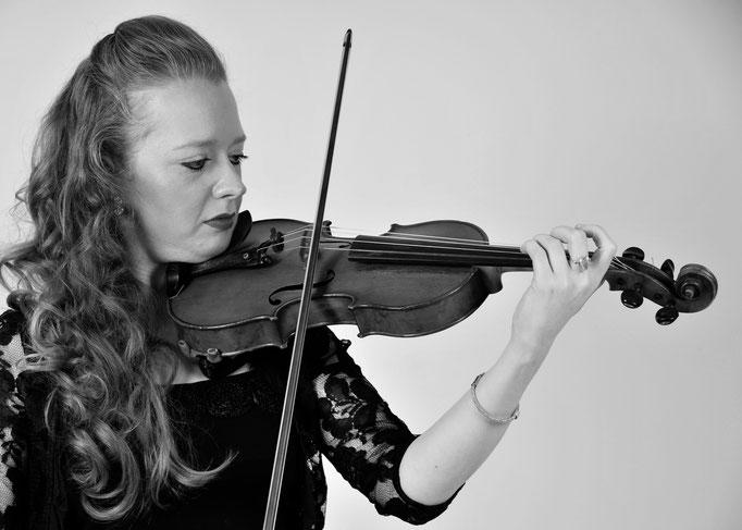 Stephanie: Violin 2
