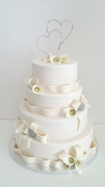Klassieke taart met calla lelies en strass