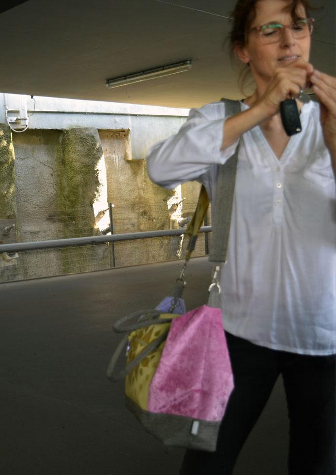 Upcycling Modetasche von Birgit Larcher
