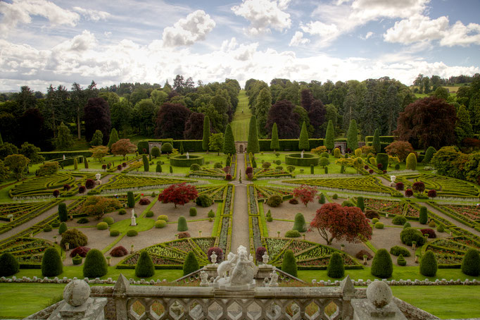 Drummond Castle and Gardens
