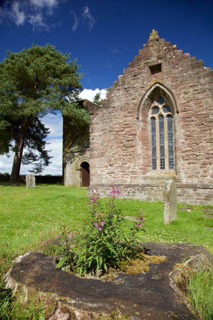Tullybardine Chapel
