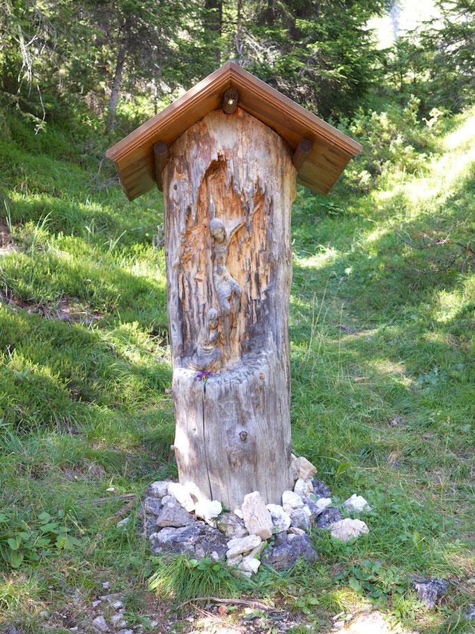 Kreuzweg, Wolkenstein (Selva),  Südtirol (Alto Adige), Italy