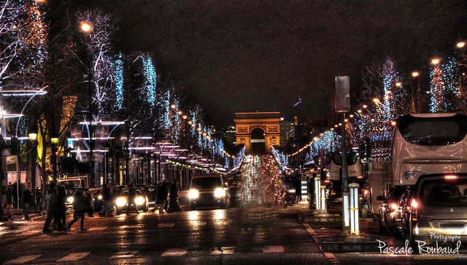 Les Champs Elysés Paris