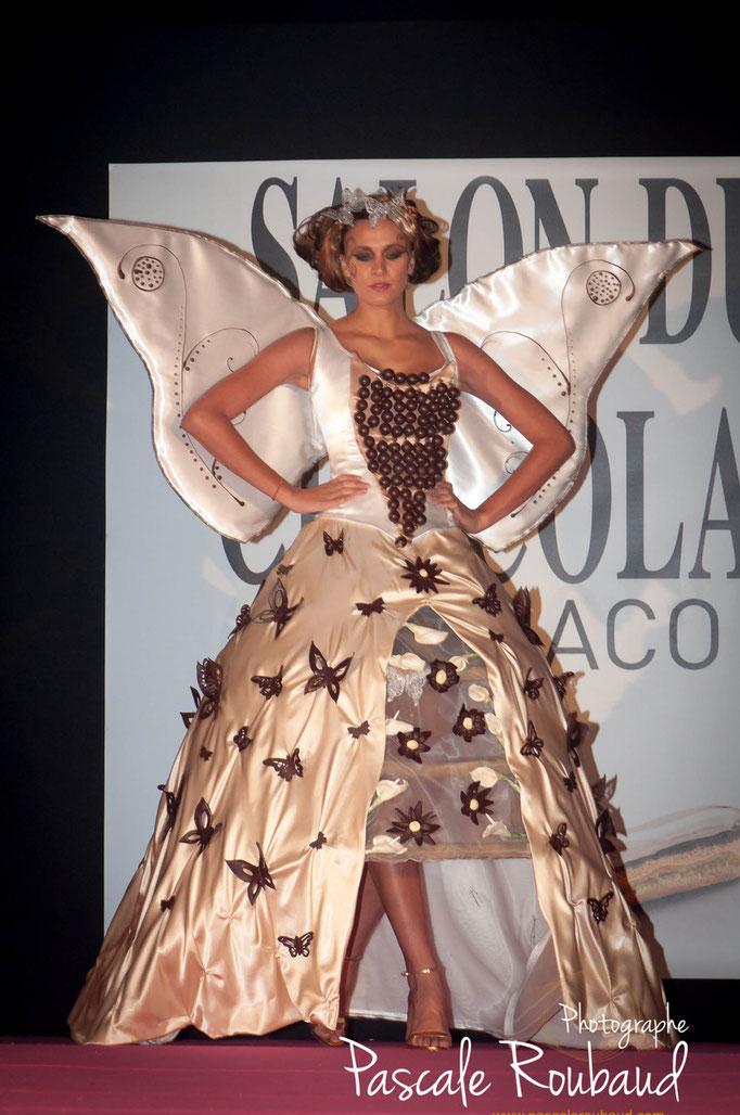 Photographie de défilé robe chocolat  Monaco 2014
