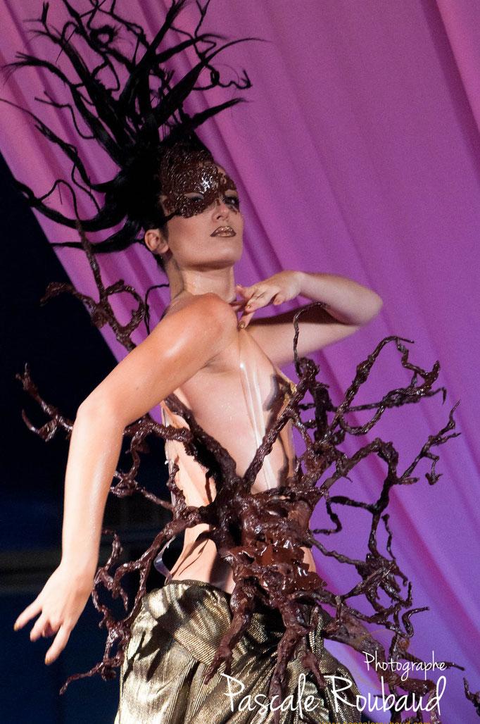 Photographie de défilé robe arbre  chocolat  Monaco 2014