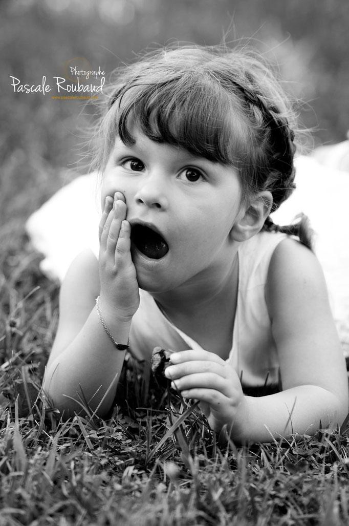 Photographie enfant noir et blanc juan les pins