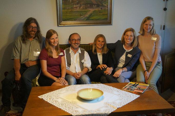 Das Team vom Schwarzwälder Freilichtmuseum Vogtsbauernhof mit der Architektin Sabine Schmider